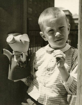 New York (Boy with Puppet), circa 1951-55©Vivian Maier. Courtesy of Stephen Bulger Gallery.